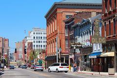 Downtown Covington - Madison Avenue (Eridony) Tags: downtown kentucky covington countyseat kentoncounty metrocincinnati