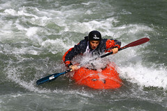 GO4G4456_R.Varadi-fotogalerie-rv.ch (Robi33) Tags: park france water river boat kayak action competition target rodeo canoeing watersports athlete lifejacket wildwater parcour canoeride canoeslalom playsport wildbrook kayakrider canoefreestyle canoedriver