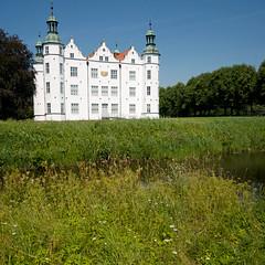 Schloss Ahrensburg Vorderansicht (p.schmal) Tags: schloss ahrensburg wassermühle marstall dmcgx7