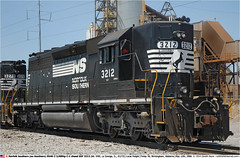 NS3212GB_120506_01 (Catcliffe Demon) Tags: usa ns alabama southern cc railways gsf norfolksouthern railroading emd sd402 diesellocomotive rosters diesellocomotives 3000hp usatrip5may2006 georgiasouthernfloridarailway