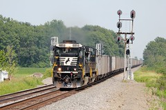 NS 8814 West in Miller City,OH on August 2,2014. (soo6000) Tags: railroad ohio train ns coal freight norfolksouthern 8814 c409 d940c ns8814 millercity fostoriadistrict nkpsignal