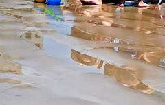 sonhos... (Ruby Augusto) Tags: reflection praia beach sand bertiogasp litoralnortepaulista nikond5000 rivieradesãolourençosp reflexossummer
