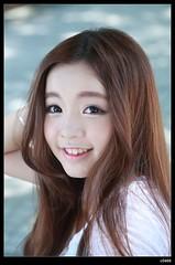nEO_IMG_DP1U0245 (c0466art) Tags: school light portrait cute girl beautiful smile female canon eyes asia university pretty sweet outdoor gorgeous taiwan kind lovely charming 1dx c0466art