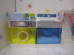 After doing the whole set, I wanted to do a scene with just the washer and dryer. (wpnschick) Tags: rement playscale amscoappliance barbielaundryroom mattelcloset mattelsnaptogether