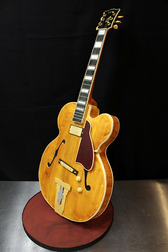 Hollow Body Arch Top Guitar cake