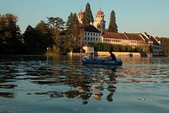 Schlauchboot Sevylor Caravelle K105 ( Gummiboot ) beim Benediktinerkloster Rheinau ( Kloster - monastery - monastre ) auf einer Insel im Rhein ( Fluss - River - Hochrhein ) in Rheinau im Kanton Zrich in der Schweiz (chrchr_75) Tags: chriguhurnibluemailch christoph hurni schweiz suisse switzerland svizzera suissa swiss chrchr chrchr75 chrigu chriguhurni 1409 september 2014 hurni140916 september2014 rhein rhin reno rijn rhenus rhine rin strom europa albumrhein fluss river joki rivire fiume  rivier rzeka rio flod ro