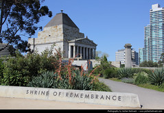 Shrine of Remembrance, Melbourne, Australia (JH_1982) Tags: world building monument architecture memorial war shrine australia melbourne landmark victoria vic australien remembrance anzac australie austrália 澳大利亚 墨尔本 australië монумент オーストラリア メルボルン мельбурн австралия 전쟁기념관 오스트레일리아 멜버른 빅토리아 주 виктория ビクトリア州 памяти ऑस्ट्रेलिया 維多利亞州 मेलबॉर्न विक्टोरिया 墨爾本戰爭紀念館