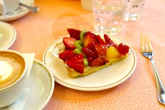 Italian pastry at Rivoire Caf, Florence, Italy. (SETIANI LEON) Tags: voyage italy caf fruits canon eos florence italian strawberry italia patisserie journey tuscany 7d pastry firenze toscane aux tarte italie fraises rivoire tarteauxfruits tarteaux