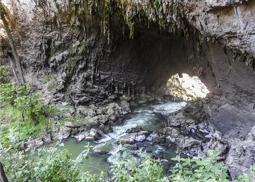 Lagunas De Montebello stream DSC01845Pr