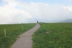 Working (florianplener) Tags: wiese himmel wolken gras laufen mensch alleine