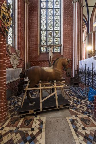 Doberaner Münster • Pribislavkapelle • Restauration Ross ohne Reiter
