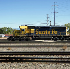 BNSF 1609 (jolee-mer) Tags: train engine locomotive bnsf 1609 santafe tracks ballast depot station belen newmexico powerlines tumbleweeds