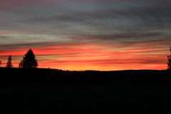 September sunset_2016_09_19_0006 (FarmerJohnn) Tags: sunset auringonlasku taivas sky evening iltataivas taivaanranta pilvet clouds colors colorfull vriks syksy autumn september syyskuu suomi finland laukaa valkola anttospohja canon7d canonef163528liiusm canon 7d juhanianttonen
