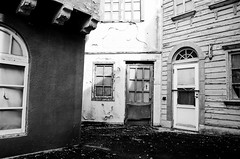Abandoned Houses. (aaronjherron) Tags: naradreamland houses cafes abandoned theme park