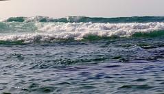Rompiente (alfonsocarlospalencia) Tags: olas galizano cantabria santander espuma azul blanco verde fuerza luz reflejos textura rompiente naturaleza soledad mar cantbrico detalle