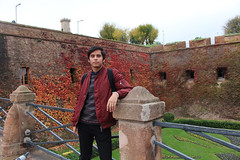 Montjuic castle (Salvawixo) Tags: barcelona barcelone eurotrip europe spain espaa catalunya canon eos t5i rebel castle landscape fall portrait