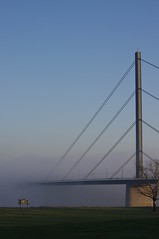Bridge to... (Mado46) Tags: brcke bridge mado46 bxl06 deutschland germany dsseldorf nrw nebel mist fog oberkasselerbrcke oberkasselerbridge 111v1f