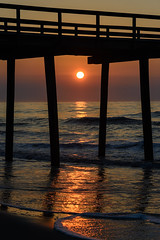 Beach Sunrise (PMillera4) Tags: beachsunrise beach sunrise dawn ocean fishingpier jerseyshore avalonnj newjersey