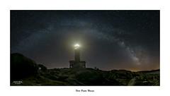 Faro de Punta Nariga... (Canconio59) Tags: faro puntanariga vialactea milkyway víaláctea nocturna noche estrellas stars night malpica galicia españa spain lighthouse