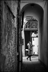 Gent (B) Veldstraat - 2016/01/11 (Geert Haelterman) Tags: geert haelterman streetphotography straatfotografie photographiederue photoderue fotografadecalle fotografiadistrada strassenfotografie candid streetshot monochrome black white blackandwhite zwart wit belgium ghent gent gand fujifilm x10