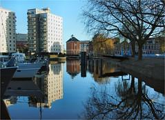 . (atsjebosma) Tags: harbour oosterhaven groningen thenetherlands nederland boats boten reflection blue water houses trees huizen bomen atsjebosma december 2016 en gewoon mooi