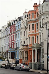 Notting Hill. (wunschkuenstlerin) Tags: london portobello portobelloroad nottinghill england fall winter herbst november britain greatbritain portobellomarket hous farbe colourful streetphotography architecture sonyalpha57 architektur outdoor gebude gebudekomplex
