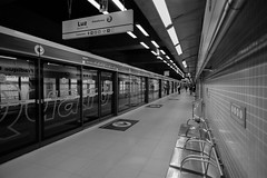 Subway (MFMarcelo) Tags: sopaulo brasil subway fradiquecoutinho yellowline blackandwhite canon eos 5diii