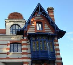 La ville d'hiver, Arcachon (blafond) Tags: stationbalnaire seasideresort maisondevillgiature villa villedhiver arcachon aquitaine architecture