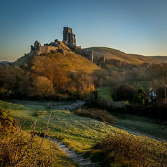 (derekgordon1) Tags: nikon d7100 sigma 1020 corfecastle dorset sunrise goldenhour castle ancientmonument nationaltrust