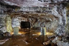 Futs concrétionnés (flallier) Tags: mine fer underground iron mining colliery eau water calcite concrétions fut tonneau