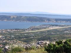 Aerodrom Split (T.J. Jursky) Tags: europe contest croatia bunker r1 dalmatia hamradio iaru radioamateur kastela 50mhz malacka 9a7pjt