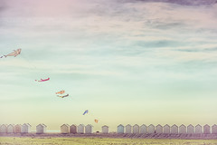 Cayeux sur mer (SANDIE BESSO) Tags: sea sky cloud kite france art landscape seaside artist artistic pastel wideangle ciel nuage baie cabine cerfvolant baiedesomme cayeux cayeuxsurmer grandangle artlibre sandiebesso sandiebessophotography
