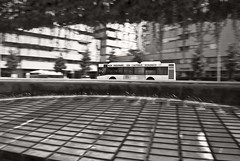 Piazzale XXVI Luglio, Udine (Aphetoros) Tags: panning autobus architettura friuli udine resistenza friuliveneziagiulia basaldella ginovalle monumentoallaresistenza piazzalexxviluglio