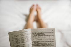 233/365 Game of Thrones (M. Klasan) Tags: show white game reading book tv bed focus dof legs library books minimal series popular simple thrones