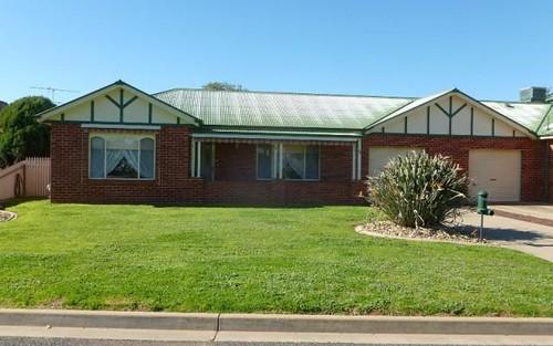 35 Banksia Drive, Corowa NSW
