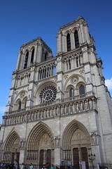 Cathedrale Notre Dame de Paris (Navin75) Tags: paris france church europe catholic cathedral religion christian notredame cathdrale catholicchurch notre dame