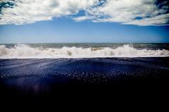 Mediterranei (battista ferrero) Tags: sea summer sky italy beach mediterraneo italia mare estate sale wave cielo cs acqua mere calabria spiaggia onde sabbia onda tirreno praiaamare maretirreno battistaferrero retulip