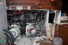 Deuxième moteur électrique fixé