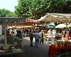 mot-2002-riviere-sur-tarn-millau-market_750x600