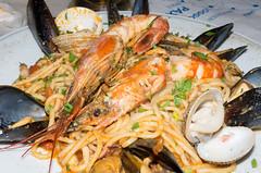 Seafood Pasta, Arriva (Rupert Brun) Tags: giant island greek mediterranean prawns pasta fresh greece seafood taverna mussels paxos arriva paxoi ionian lakka giantprawns peloponnisosdytikielladakeio peloponnisosdytikielladakeionio