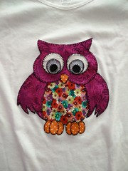 Owl T-shirt for my aunt // Camiseta con bho para mi ta (-nickless-) Tags: handmade tshirt owl patchwork camiseta bho festn