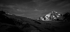 Bassin du Tour en Noir et Blanc (Frdric Fossard) Tags: ciel panorama glacier montagne chardonnet glacierdutour lumire ombre atmosphre ambiance dramatique alpes hautesavoie massifdumontblanc crte arte cime contraste soir luminance nuage paysage nature