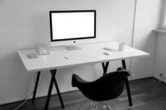 My minimalist workspace (mmmiikka) Tags: minimalism office apple imac workspace white minimalist df