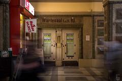 Wartesaal im Bahnhof Friedberg (ericgöbel) Tags: locked train station bahnhof wartehalle waiting room friedberg kiosk heise wurst
