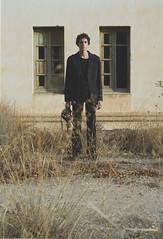 (Mishifuelgato) Tags: apocalipsis mascara de gas alicante busot aigues preventorio edificio abandonado simetria retrato portrait photography fotografia nikon d90 50mm 18