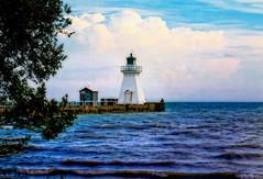 Lake Eri Lighthouse - Port Dover - Ontario - Canada (D. Pacheu) Tags: lake erie pacheu lighthouse phare lac port dover ontario canada nuage cloud