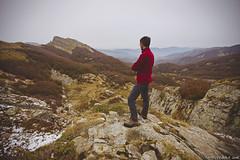 """Ammirando il paesaggio sulle Capanne di Lago Scuro ed i Lagoni, nei pressi della """"Buca della Neve"""". (Matteo Rinaldi.it) Tags: autoscatto appennini autunno bucadellaneve capannelagoscuro parcodei100laghi neve"""