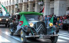 Citroën Traction (Graffyc Foto) Tags: alger parade du 1er novembre 2016 citroen traction drapeaux flag algerie algiers algeria independance anniversaire anniversary nikon d700 graffyc foto hdr photomatix