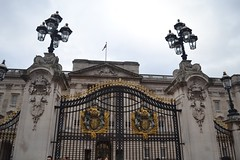 London, England (Da Laney) Tags: london england uk britain greatbritain gb londontown kanye architecture art photography nikon professional old oldtown history historic buckingham palace big ben king queen tower gates