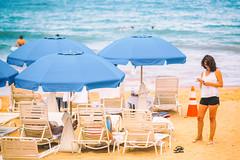 So You Stop and Watch Her (Thomas Hawk) Tags: fairmont fairmontkealani fairmontkealaniresort hawaii hotel kealani maui wailea beach beachumbrella umbrella fav10